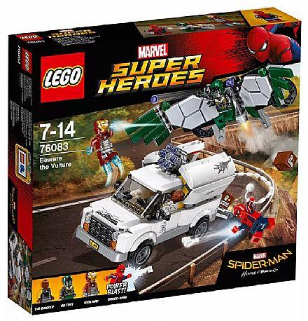 Brinquedo - LEGO Super Heroes - Cuidado com Vulture - 76083