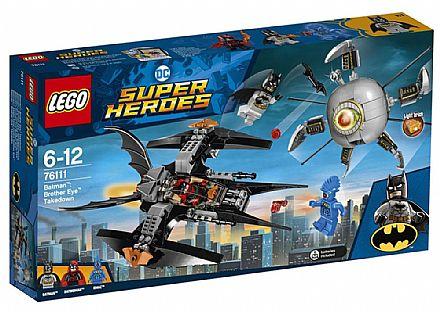 Brinquedo - LEGO DC Super Heroes - Batman: A Derrubada do irmão Olho - 76111